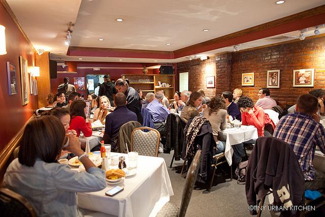 Nyc Eats Sylvias Restaurant In Harlem